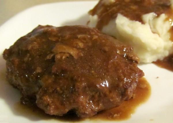 Salisbury Steak with Gravy {Slow Cooker Recipe}