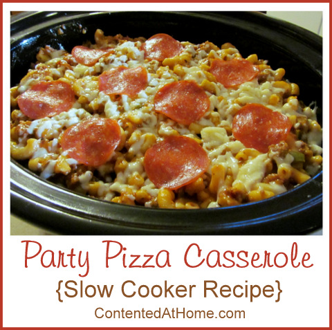 Party Pizza Casserole {Slow Cooker Recipe} | @JudyHoch